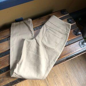 Time & Tru pull on stretch skinny pants